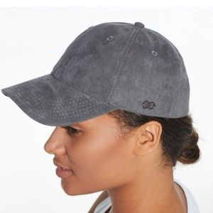 CALIA by Carrie Underwood Womens Faux Suede Hat